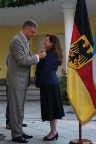 Bundesverdienstkreuz__Claudia_Paz_y_Paz10_A